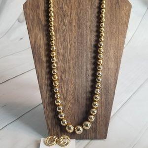 Vintage Monet Gold Toned Necklace w/ Avon Clip Ons